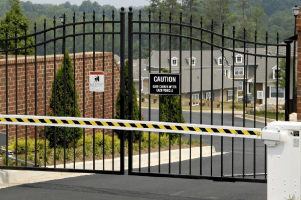 Commercial-Security-Gate-1